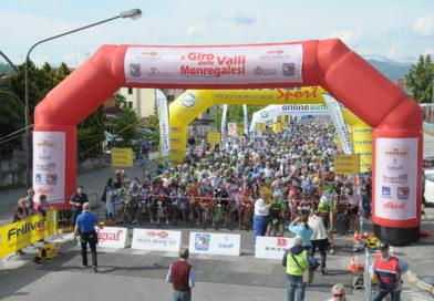 Spettacolare partenza del Giro delle Valli Monregalesi